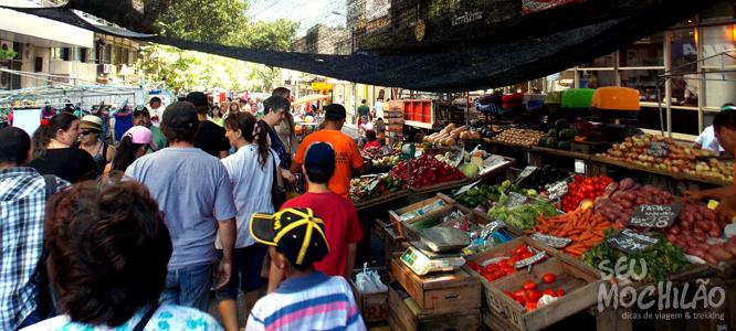 Feira De Artesanato Uruguai ~ Feira de Tristán Narvaja de frutas a antiquários Seu Mochil u00e3o